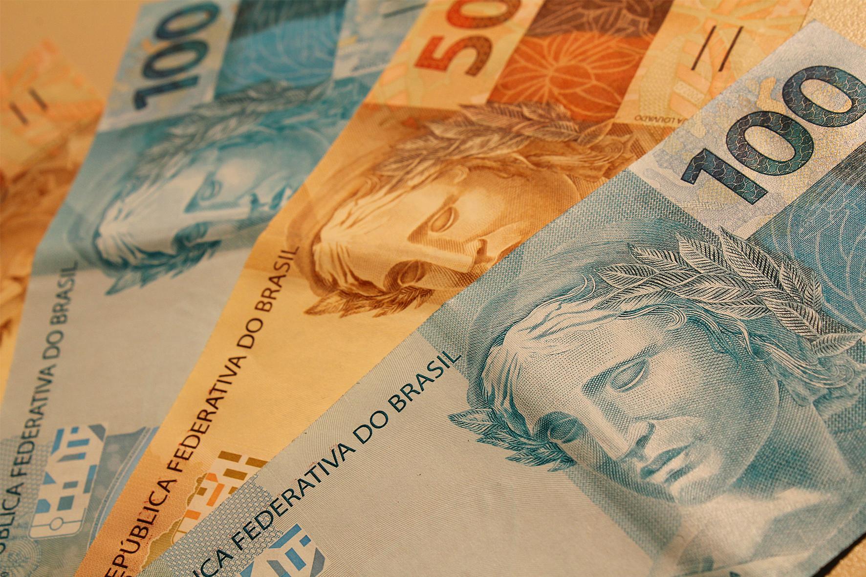 Economia Brasileira - novas notas do Real